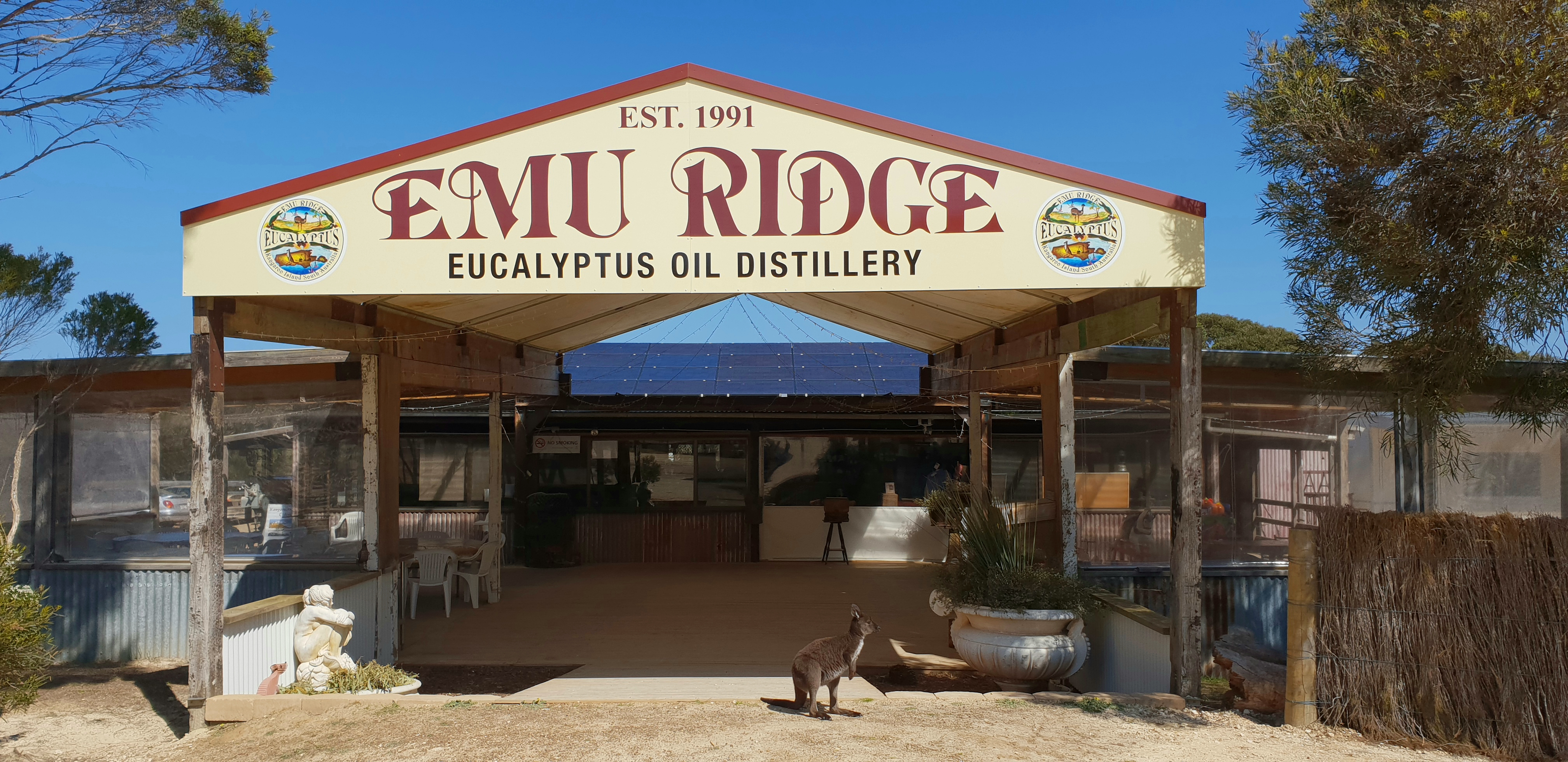 「Emu Ridge Eucalyptus Oil Distillery」的圖片搜尋結果